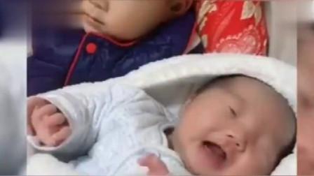2岁哥哥那样哄妹妹睡觉,萌翻啦