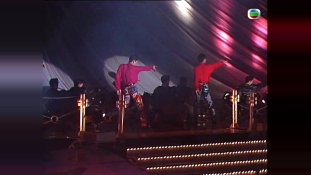 草蜢当年的《忘情森巴舞》,这舞蹈动作放到今天,一点都不过时!