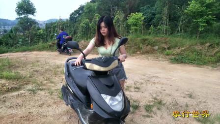 10美女骑摩托车,美女踩发摩托车