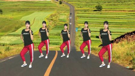 广场舞老师用《好嗨哟》跳步子舞活力四射,激情澎湃