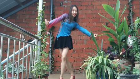 好喜欢这样的广场舞,小姐姐跳得真好,网友:比柳岩还好看