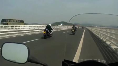 你有你的汽车我有我的摩托车,比你的快就是有点晒