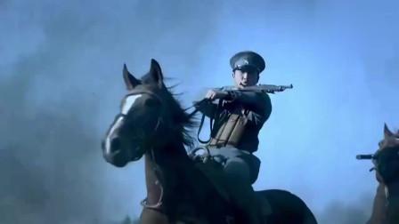团长带队闯入敌阵,调转敌军大炮方向,敌军士兵被炸懵了!