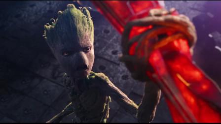 雷神濒临死亡,格鲁特献出自己手臂,为他打造全新的斧柄!