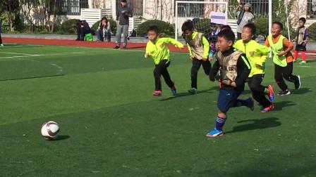 【7岁半】11-2哈哈参加小小世界杯比赛进球,2分40秒上演精彩假动作过人爆射进球IMG_1059