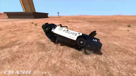 BeamNG Drive:汽车翻滚碰撞事故模拟