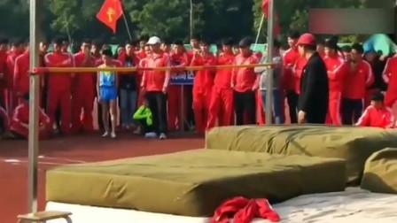 一位跳高的小学生,天赋超级好,网友:国家队的希望!