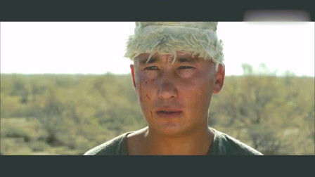电影片段:农民运粮队遇上一群绵羊,结果全是由悍匪伪装!