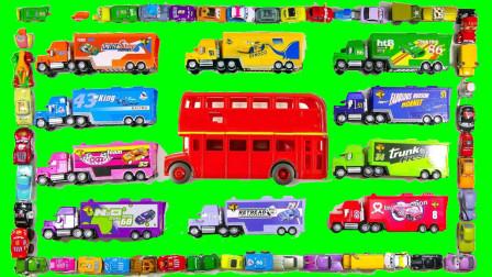 大卡车和双层巴士运输小汽车学习英语颜色