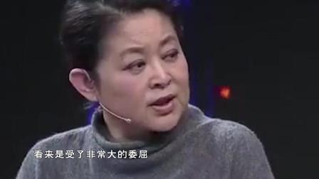 """25岁健美教练被骗泰国,遭7个人妖轮流""""饲养"""",门一开倪萍愣了"""