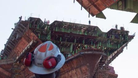 美军又一架核航母合成!02号舰艏模块合拢,重780吨