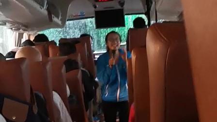 寓教于游,上海导游教游客垃圾分类,金句频出!