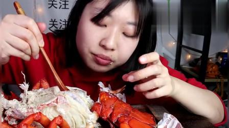 吃货小姐姐:素颜小姐姐为了吃龙虾,把家里的榔头都用上了,也是没谁了