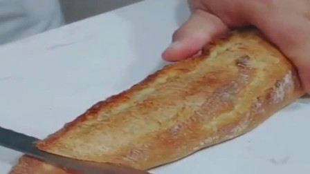 头一次见这种面包,切开一看,这能好吃么!