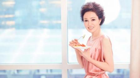 曾是圈内公认的杭州最漂亮女人,而今63岁失婚后获评样子也变了