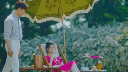 德鲁纳酒店:IU打扮得漂漂亮亮,大热天的去野餐,男主好无奈!