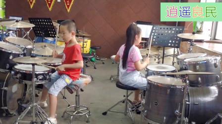 架子鼓演奏《斗牛舞曲》,两位小朋友年纪虽小,这鼓打得真不赖