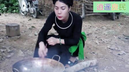 越南女人厨艺不错,农村阿碧烹制的香甜糯米饭,全家人吃得很开心