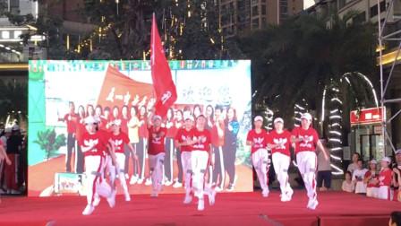 鬼步舞《12步烫脚步》最近又火了,看看这群人跳的多嗨!歌醉舞美