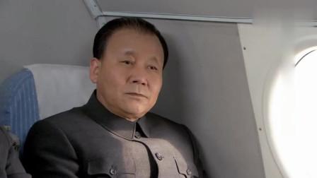 小平同志出访日本为何只带了八个保镖,不多带几个人