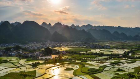 航拍贵州自然美的小村庄,青山绿水云雾缭绕