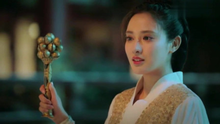 东宫:小枫摇铃指引顾剑亡魂,院中飘过的风沙似乎就是他