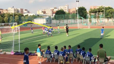 孩子们之间的精彩足球赛!这么热的天,这配合这射门,赞了