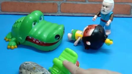 少儿益智亲子玩具:鳄鱼真的在救人吗?你们怎么看