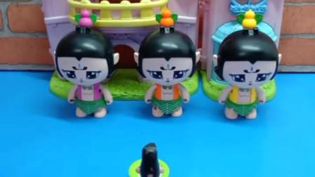 少儿益智亲子玩具:三娃被罚站,是因为不听老师的话吗?