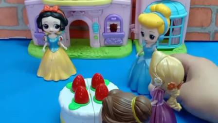 少儿益智亲子玩具:是谁在蛋糕里下的毒?是贝儿吗?