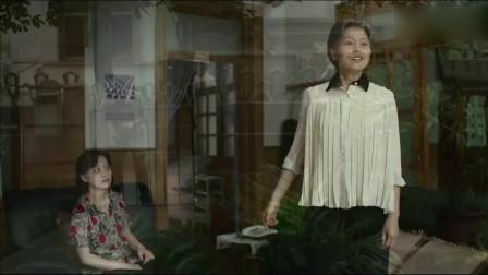 父母爱情:安欣看到江德福,欧阳懿,江卫民三人带着礼帽来家,给逗乐了!