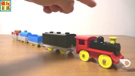 彩虹车厢的火车,很不错