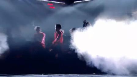 周震南团队公演《Fireman》,台风炸裂,荷尔蒙爆棚!