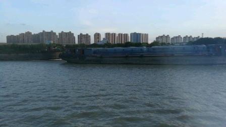 苏州京杭大运河上演飙船大戏