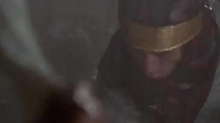 僵尸王爷在深夜复活,黄金棺材也镇压不住它,千鹤道人大惊失色!