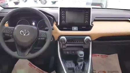 2019款丰田RAV4到店,坐进第二排那刻,给我一个不买的理由