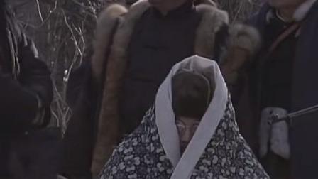 笑死了,国民党长官前线探望将士,竟把全身裹在棉被里