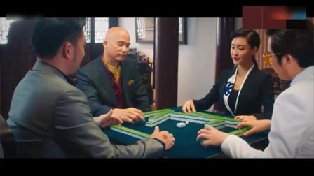 打麻将个个千王赌神,都不带看牌的,装的一手好戏