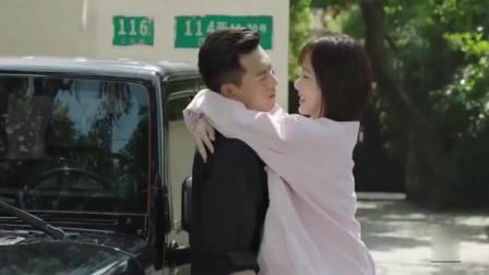 """亲爱的热爱的:佟年蹦到韩商言怀里,韩商言""""不练跳高可惜了"""""""