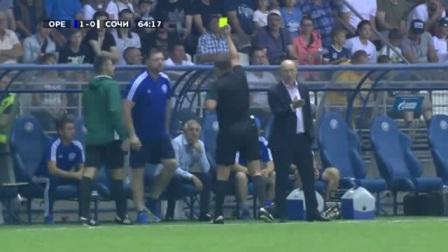 叫你皮!俄超赛场助理教练模仿裁判掏牌动作被罚下