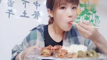 妹子在哈尔滨吃自助餐,一份,饭菜随便吃,东北物价便宜吗