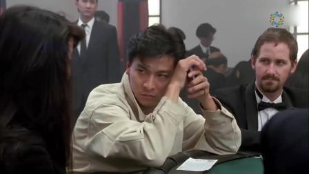 赌侠:明知道荷官在作弊,倔小伙仍全部梭哈,果真艺高人胆大