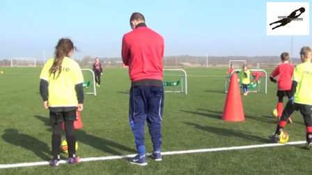 国外U青少年足球技巧训练教学视频36集