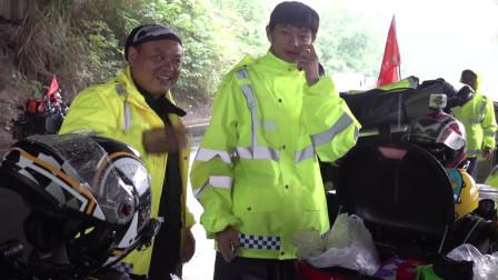 今天一直下雨,雨中骑行又累又不安全,辛苦的一天,抵达都江堰!
