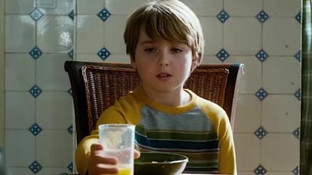 男孩意外得到蚂蚁的超能力,看长相好像一个缩小版的蜘蛛侠