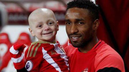 他的微笑曾感动足坛,你不看足球你永远不会懂,已泪奔