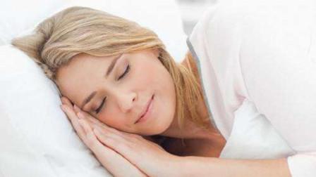 为何有时睡着后,身体会突然抖一下?专家:出现这种情况的要注意
