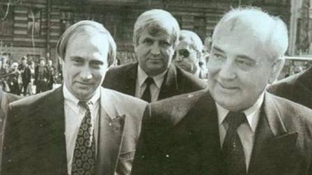 这个人是克格勃掌门,政变失败被关入狱,普京上任后重新接任军师