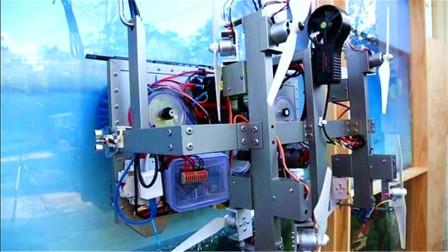 """19岁小哥研发出""""擦窗""""机器人,8个旋翼飞着擦,获50万奖金"""
