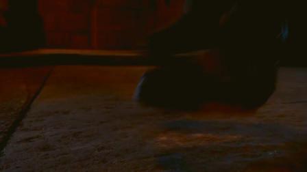 怪物穷追不舍,男子痛下杀手,三人终于逃出生天